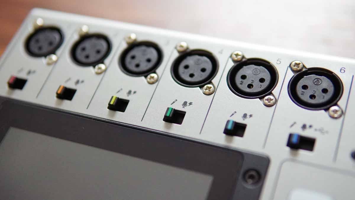 podtrak-p8-mic-inputs
